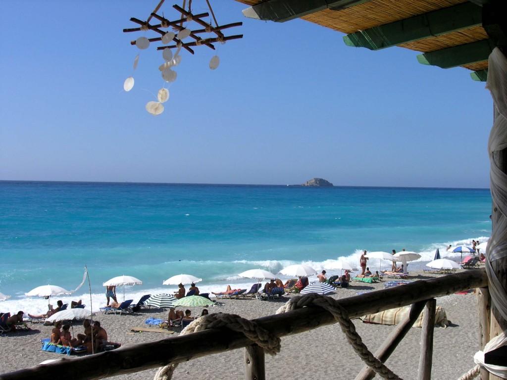 Pefkulia beach